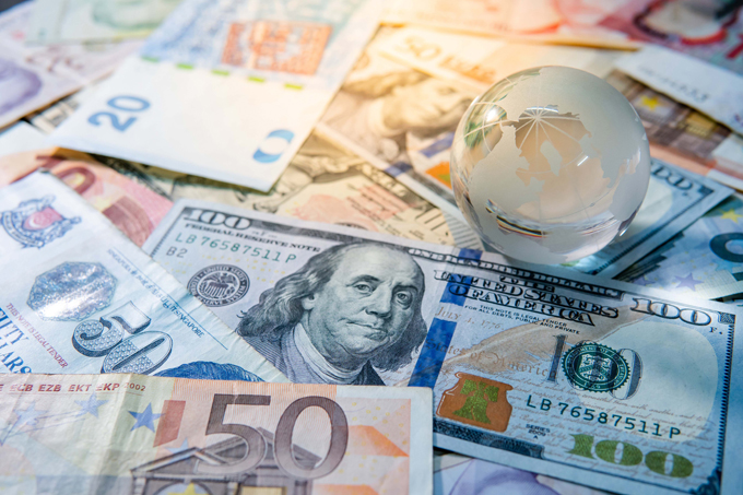 When to Sell Foreign Currency?